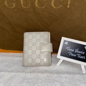 Gucci agenda/passport holder